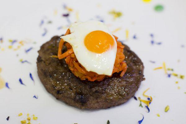 Hamburger Montana con uovo