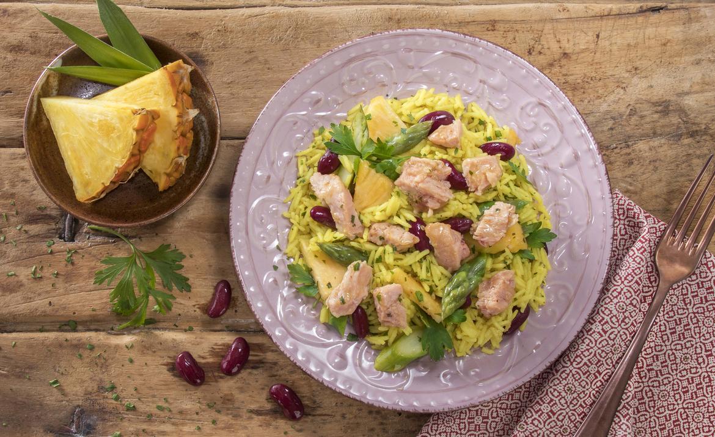 Insalata di riso basmati con leggera di pollo e ananas