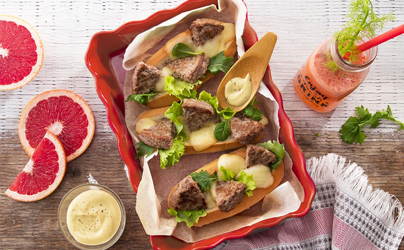 Hamburger con provola e salsa alla senape