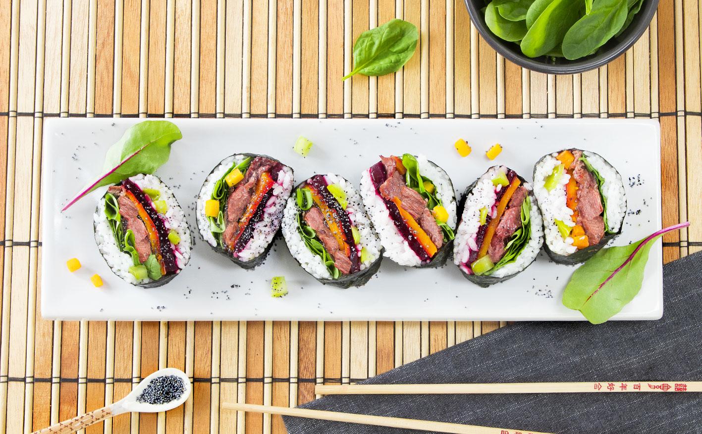 Sushi con carne in scatola